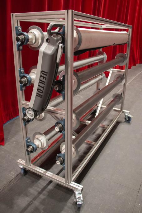 Nouveau chariot pour tapis de danse en aluminium motorisé ou a manivelle.